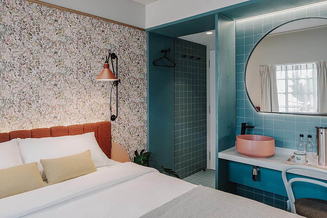 squarerooms-hotel-singapore-style-the-great-madras-retro-suite