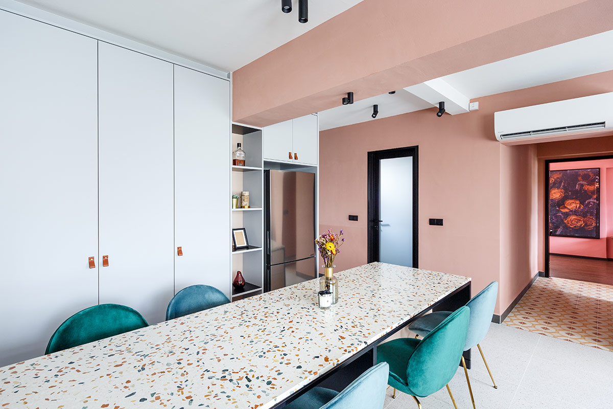squarerooms-the-scientist-pastel-dining-room-pink-blue-terrazzo-table