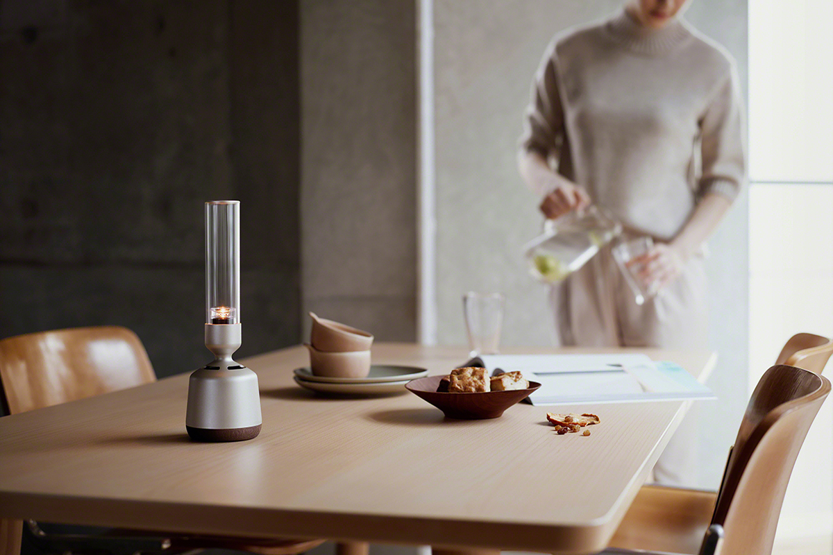 squarerooms-multifunctional-kitchen-appliances-speaker-lamp-sony-lspx-s2