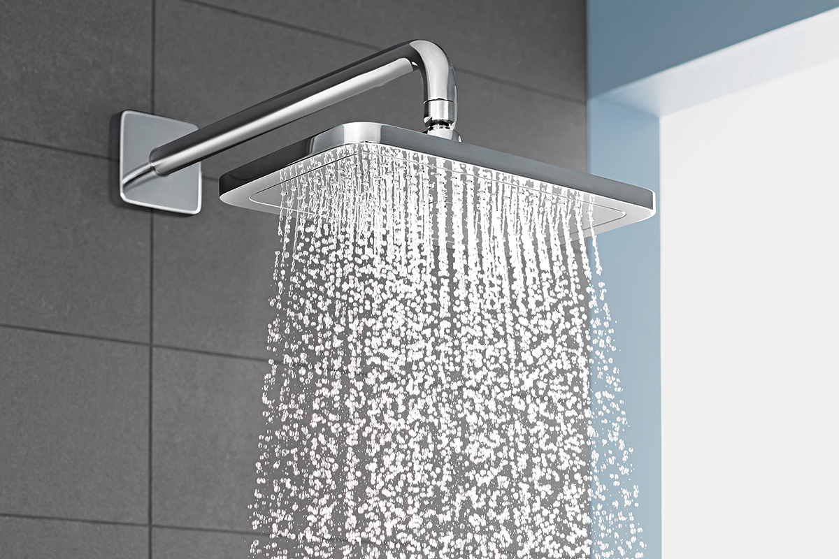 squarerooms hg Croma E overhead shower micro droplets water