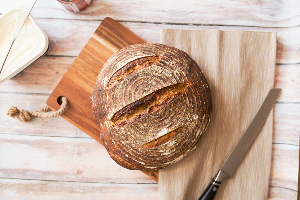 squarerooms wooden cutting chopping board bread loaf knife