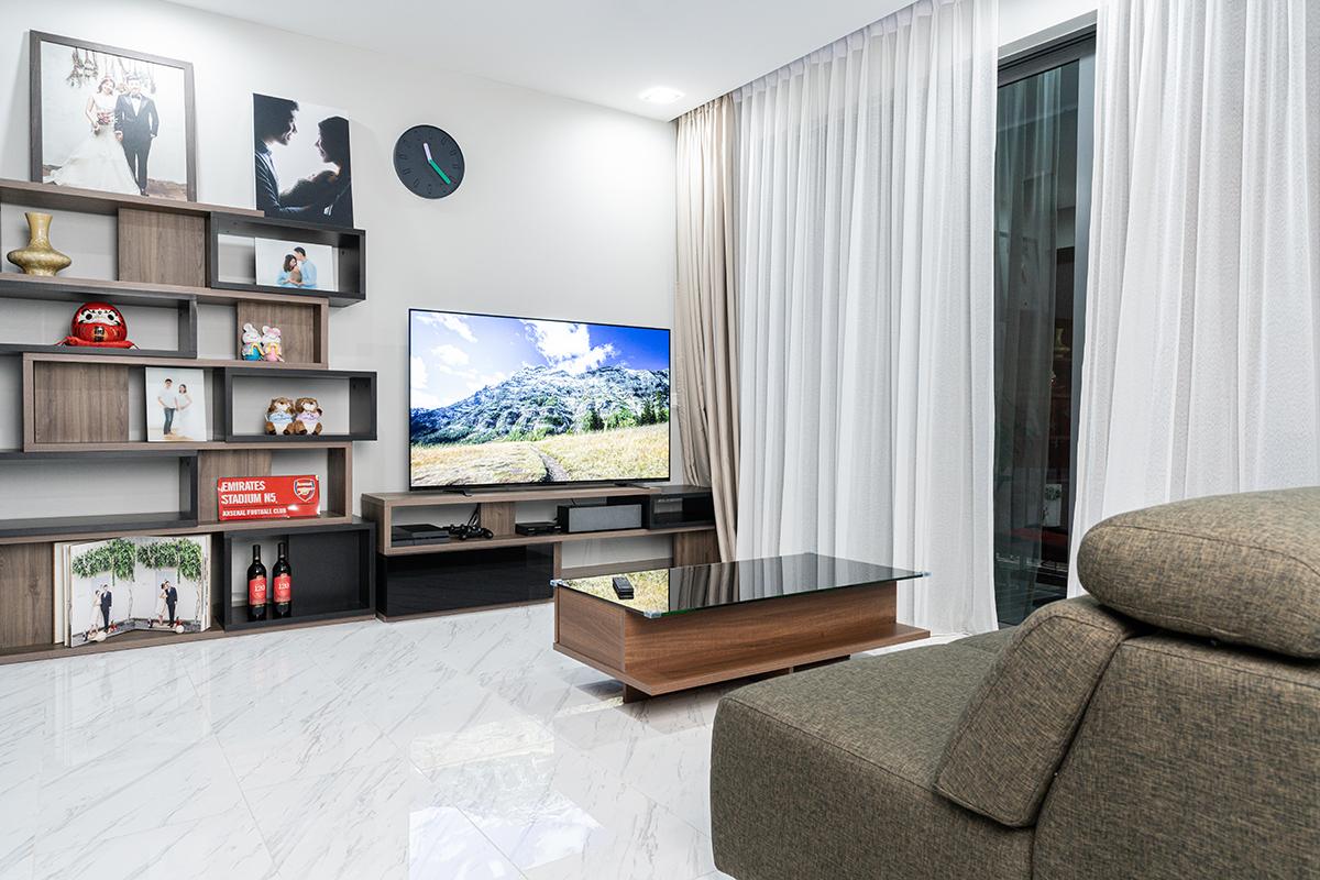 squarerooms sony tv screen living room