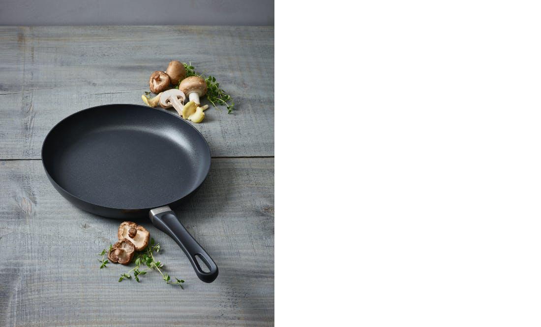 squarerooms kitchen cooking tool scanpan non-stick frying pan