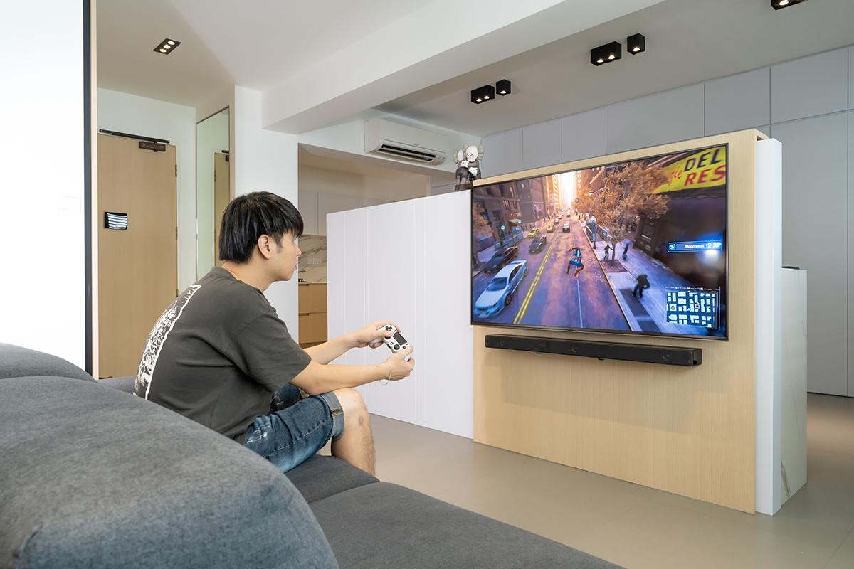squarerooms sony bravia tv gaming boy playing games playstation ps4
