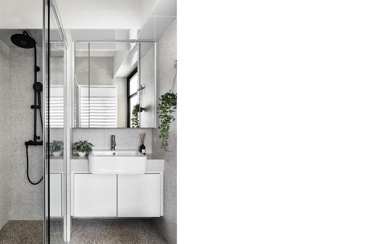 SquareRooms-Lush-Interior-bathroom