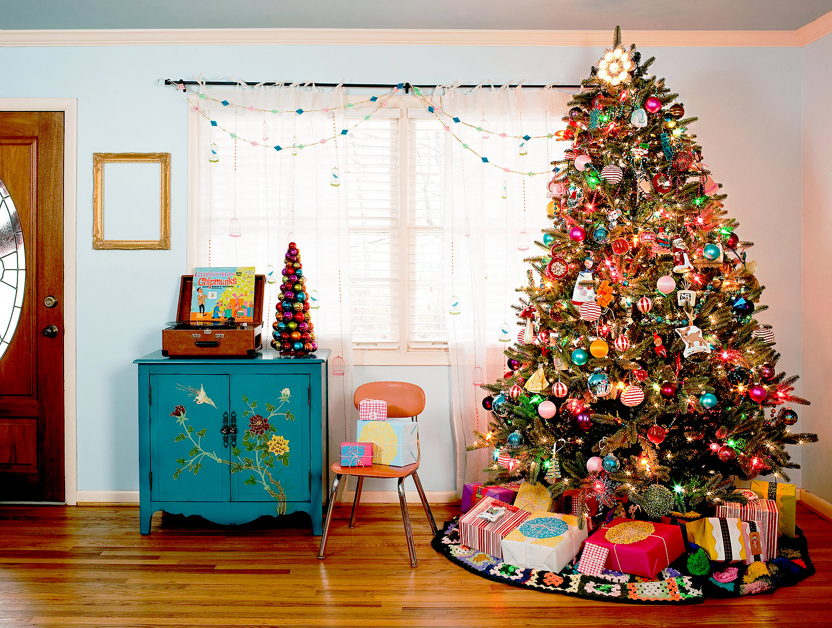 squarerooms jeff herr photography christmas tree living room decor colourful eclectic festive