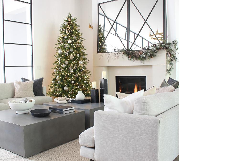 squarerooms-modern-monochrome-christmas-design-inspiration-minimalist-living-room