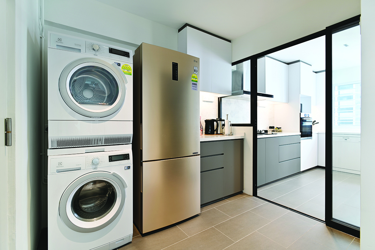 squarerooms ZLC stacked appliances service yard laundry room washing machine dryer glass door balcony