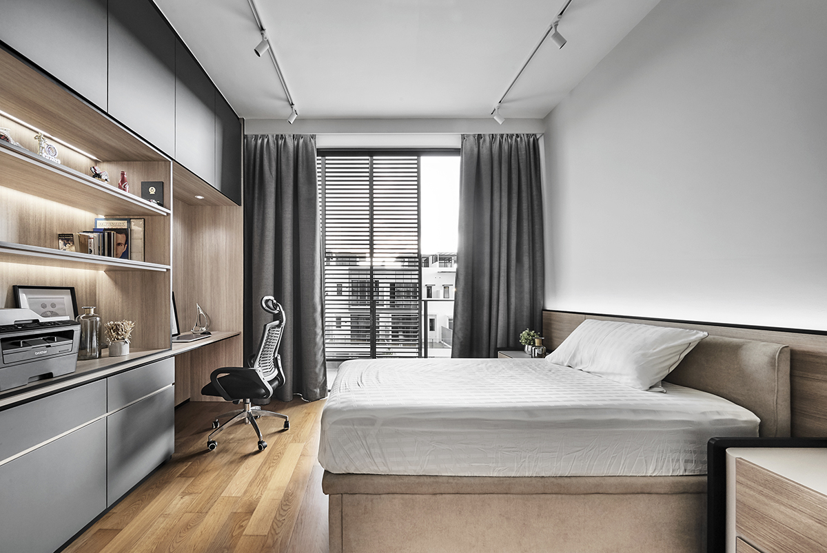 squarerooms richfield integrated home renovation makeover terrace house 5 bedroom minimalist luxury luxurious black and white monochromatic luxe yio chu kang white bedroom study desk office