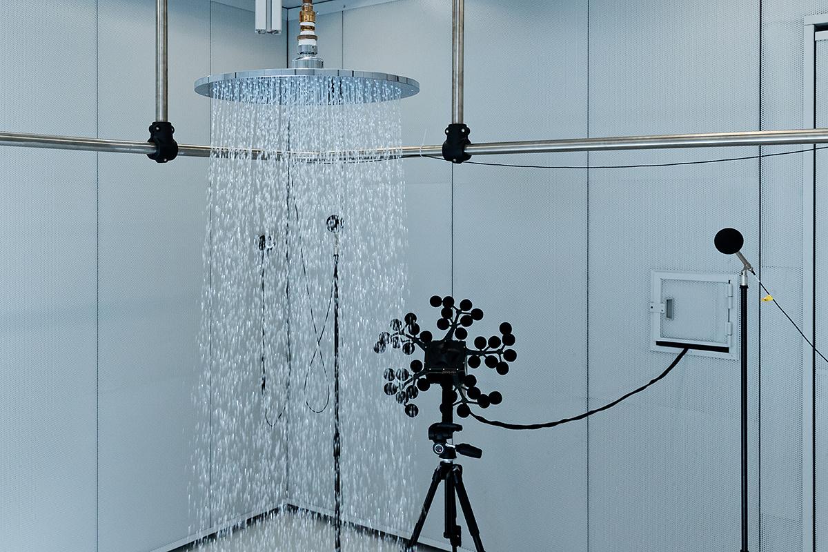 squarerooms hansgrohe shower water flow rain bathroom blue