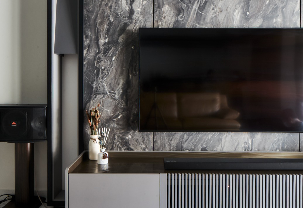 squarerooms richfield integrated home landed house renovation makeover modern contemporary neutral monochromatic design tv feature wall grey marble