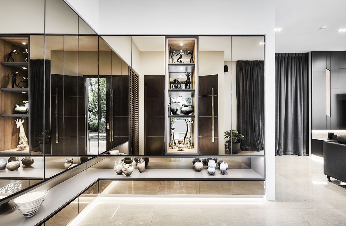 squarerooms richfield integrated interior design home makeover style look renovation landed property house large big luxury luxurious monochromatic black and white modern entryway entrance light warm mirrors