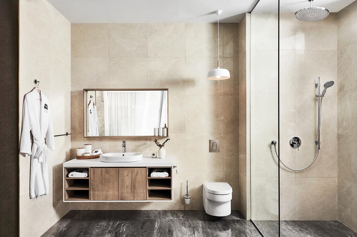 squarerooms-grohe-bathroom-spa-home design minimalist warm desert style