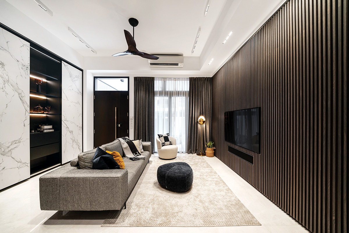 squarerooms mesh werk studio modern landed property house home renovation monochromatic luxury luxurious style look makeover living room marble wall display shelf illuminated black brown feature wall dark luxury luxurious