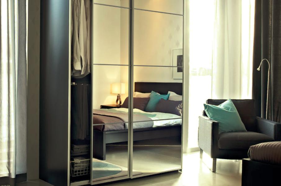 squarerooms ikea wardrobe mirrored auli doors bedroom