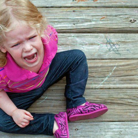bagaimana cara menghadapi anak tantrum