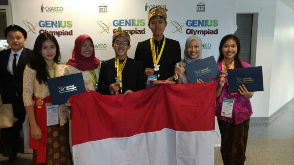 dua pelajar Indonesia berhasil meraih medali emas dalam olimpiade sains Genius Olympiad 2017
