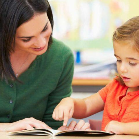 tips menghadapi dan menjawab pertanyaan anak yang kritis dan banyak bertanya