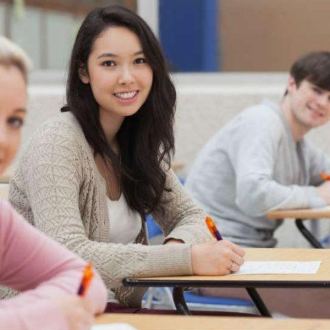 ketahui alasan anak diarahkan untuk melanjutkan studi di luar negeri