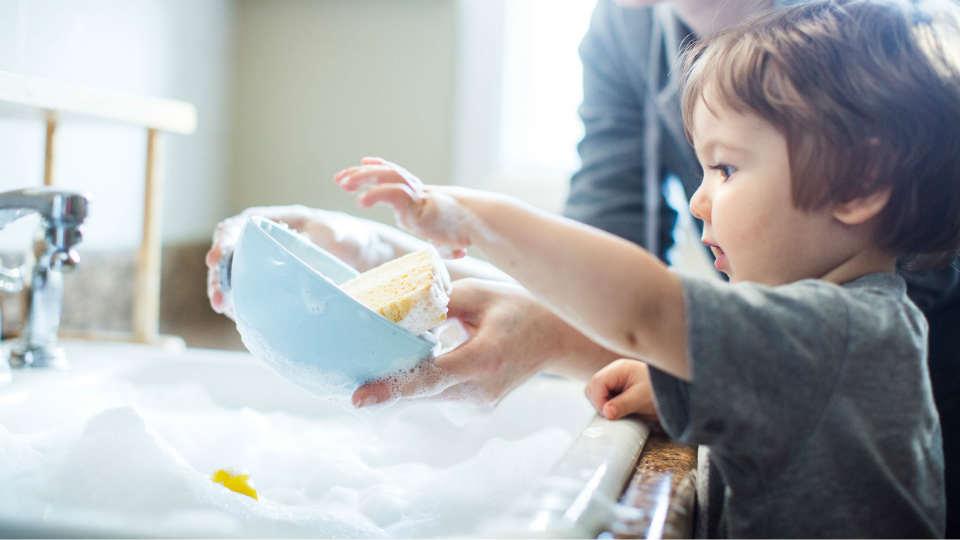 cara mengajarkan tugas rumah pada anak sejak usia prasekolah