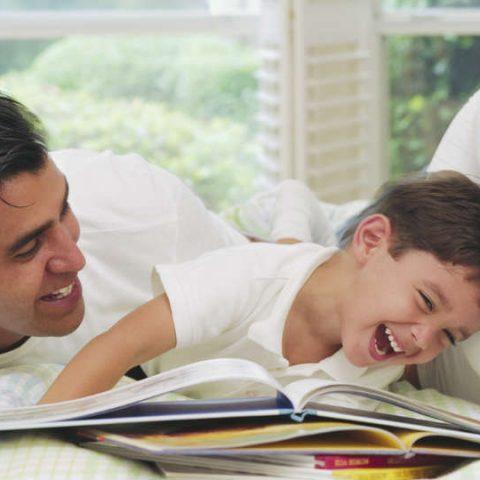 mengenal Gerakan Nasional Orang Tua Membacakan Buku
