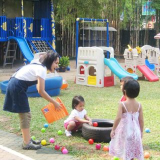 Taman Bermain Kepompong