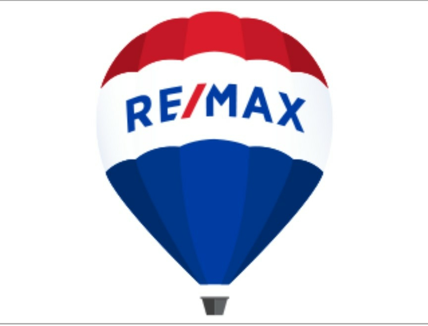 Remax W Four