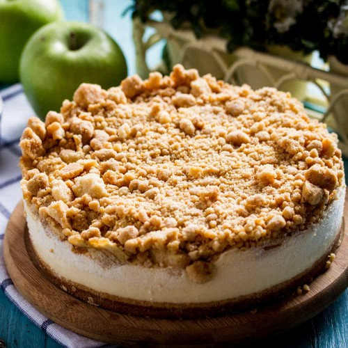 Apple Crumble Cheesecake - Singapore's Best Birthday Cake Delivery | Apple of My Eye | Cat & the Fiddle