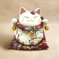 Fortune Cat (Female)
