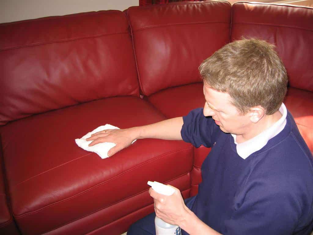 Heramo.com - vệ sinh sofa simili - hình 2