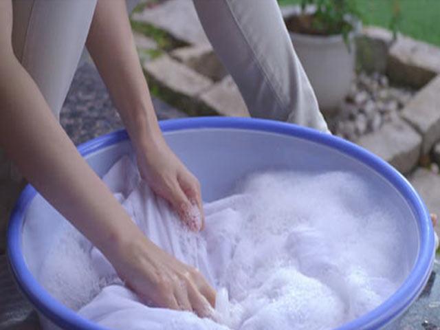 Heramo.com-giặt đồ trắng bị ố vàng-hình-2