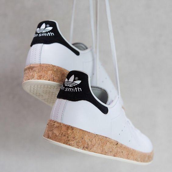 5 cách làm giày khô siêu nhanh trong mùa mưa gió