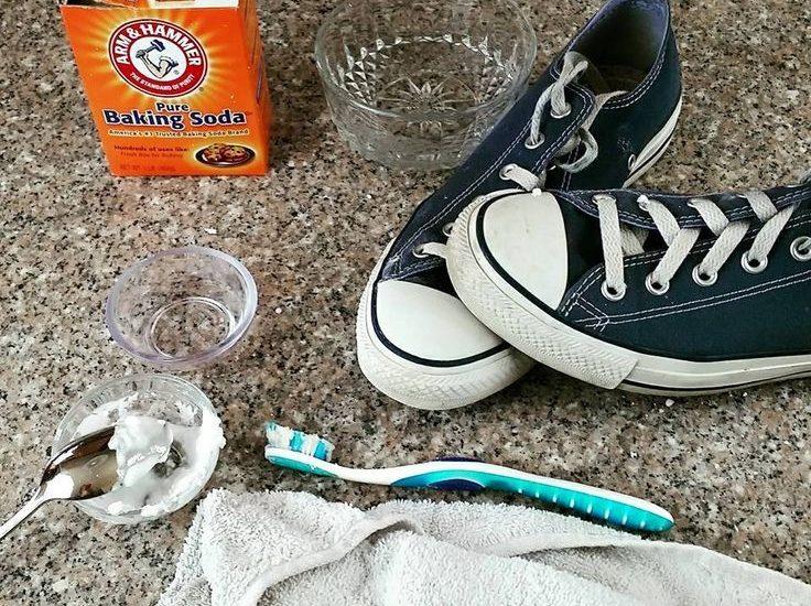Heramo.com-vệ sinh giày bị ố vàng-hình 1