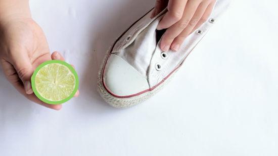 Heramo.com-vệ sinh giày bị ố vàng-hình 5