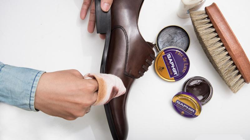Heramo.com-vệ sinh giày tây-hình 3