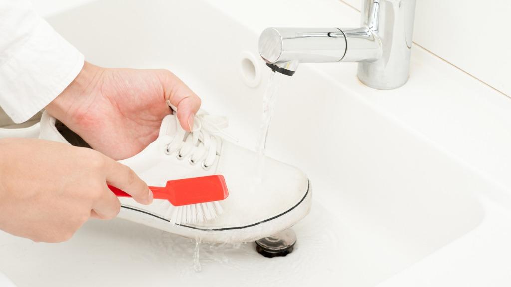 Heramo.com-giặt-giày-trắng-hình-0