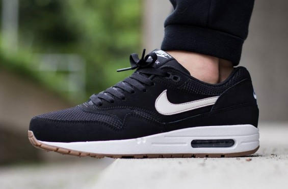 heramo.com- vệ sinh giày Nike- hình 1