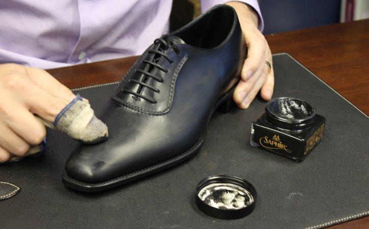 heramo.com- đánh xi giày da- hình 3