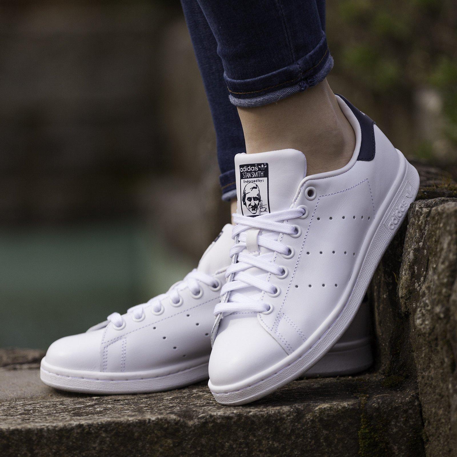heramo.com- giặt giày sneaker da- hình 1