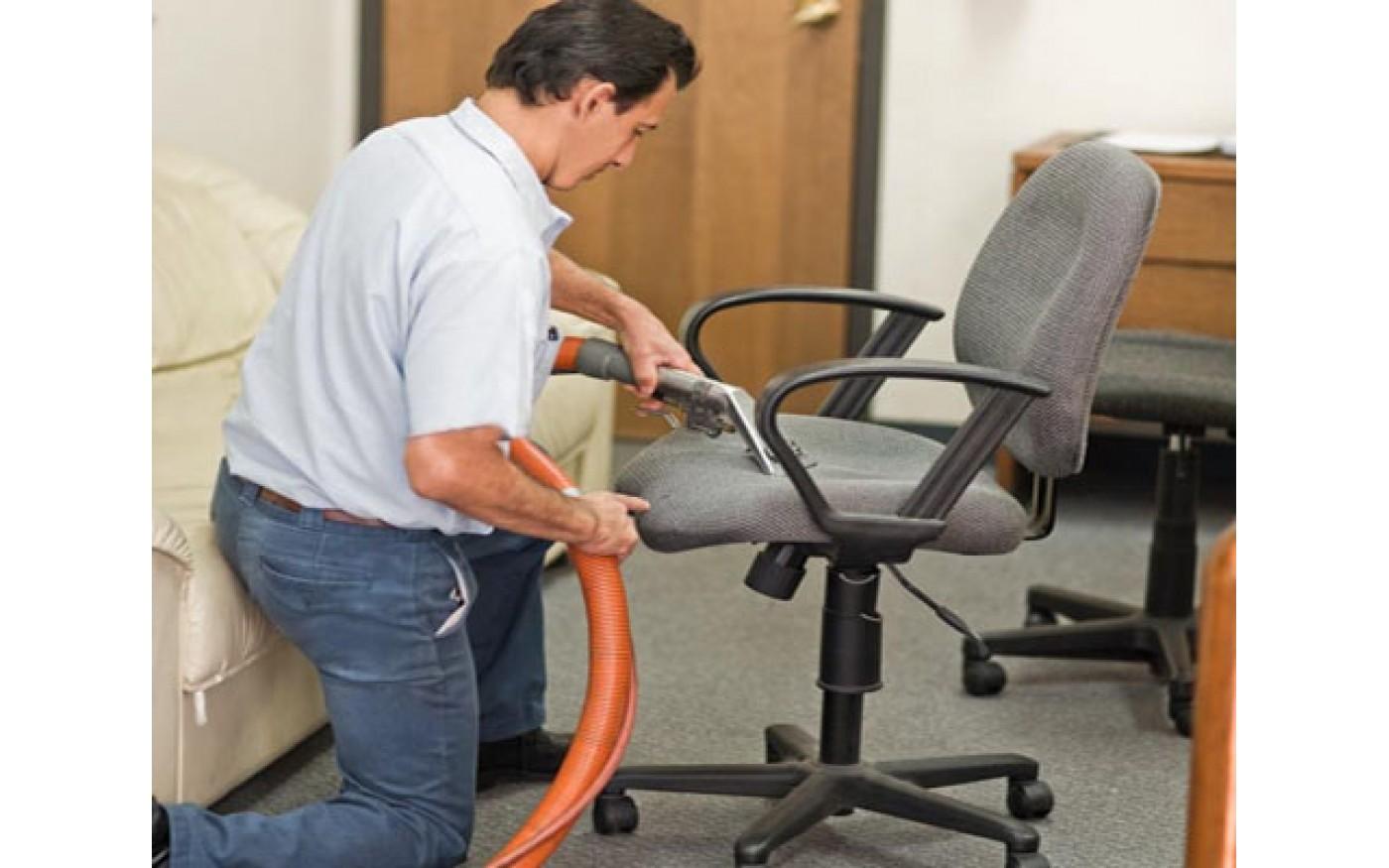 Heramo.com - vệ sinh ghế văn phòng bọc nỉ - hình 1