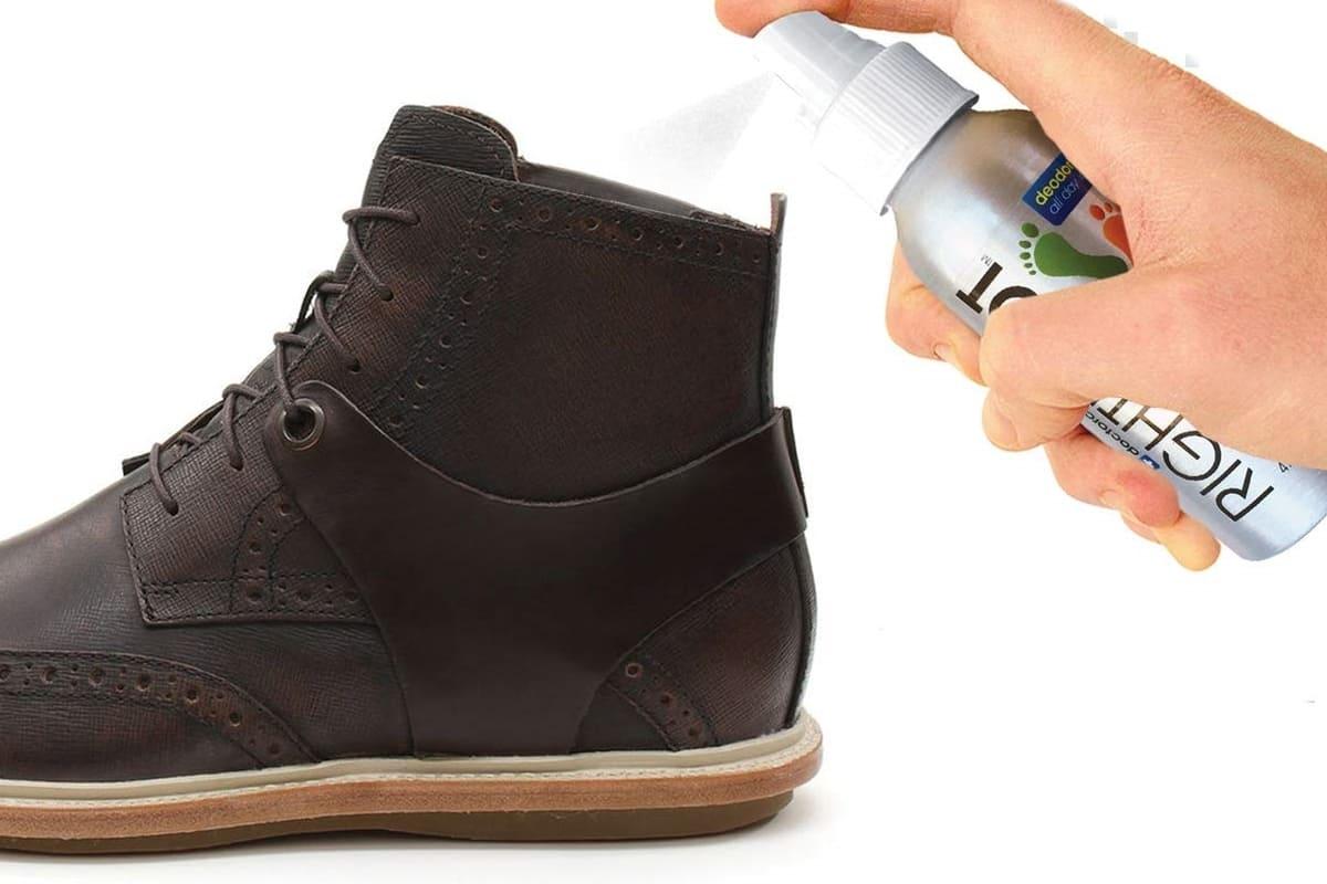 heramo.com - 4 mẹo khử mùi giày, cách 3 khử mùi bằng dung dịch