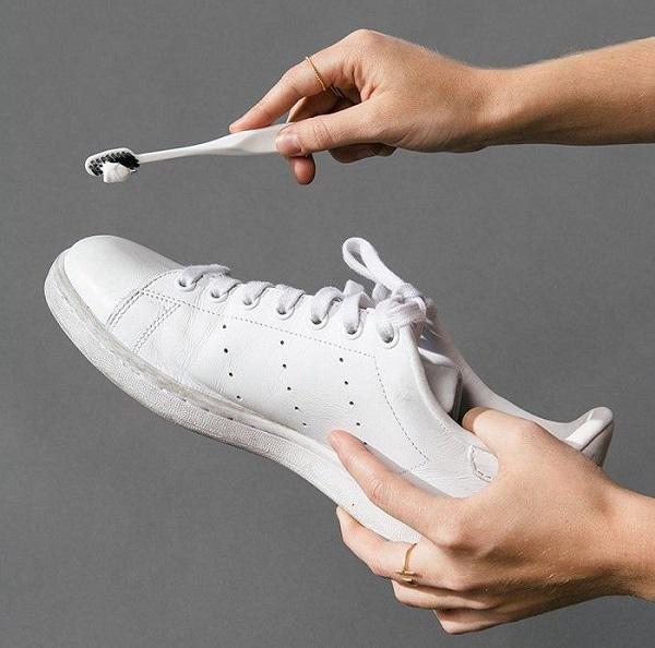 heramo.com-giặt giày sneaker da- hình 6