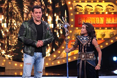 Bigg Boss 10, Day 21: Salman Introduces The Immunity Medallion And