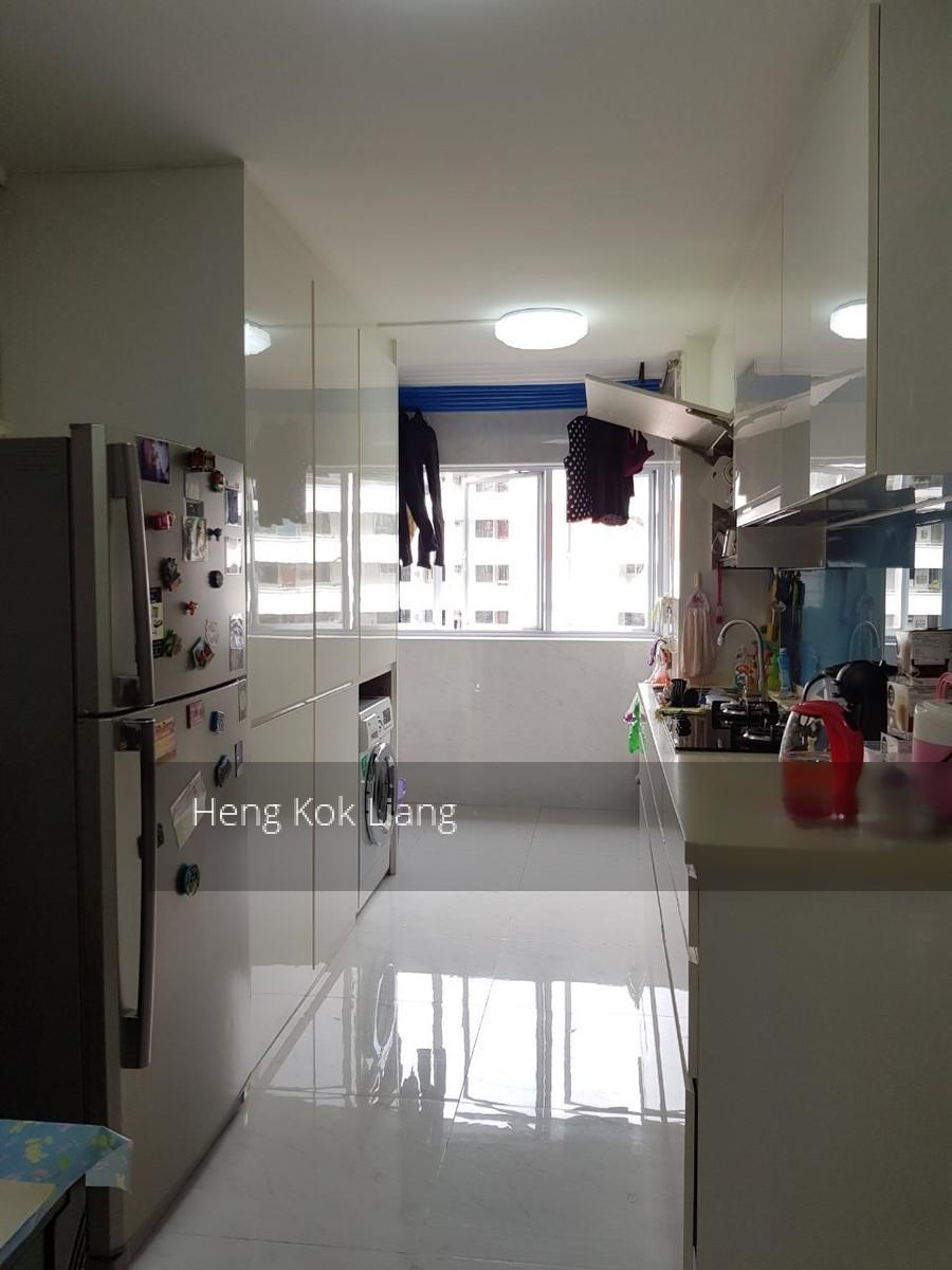 228 Jurong East Street 21