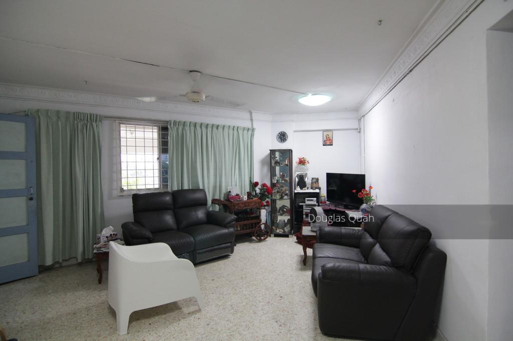 106 Jalan Dusun