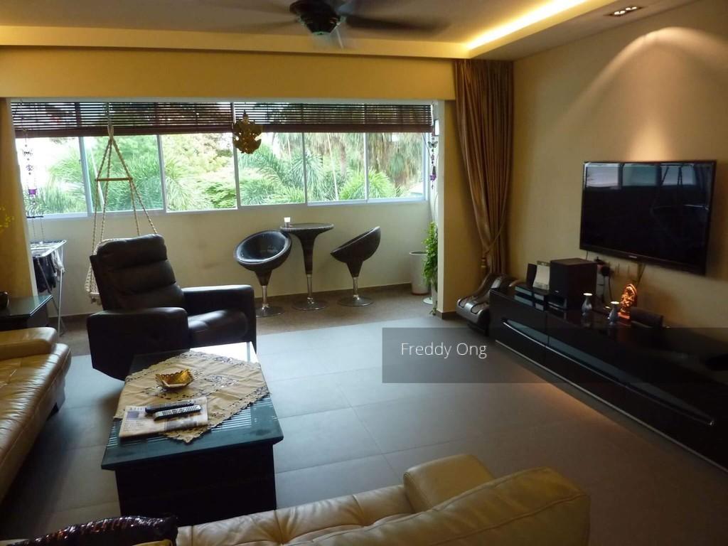 621 Hougang Avenue 8