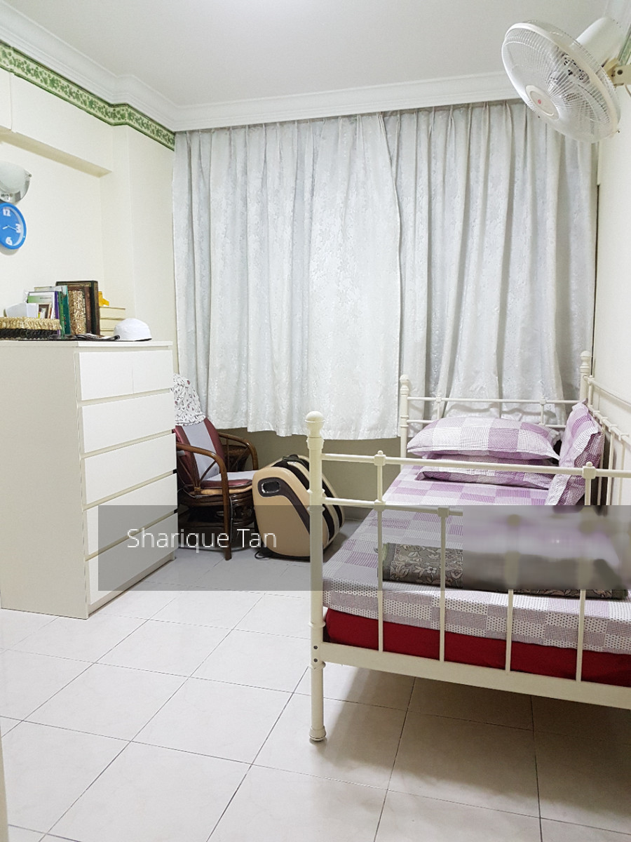689 Jurong West Central 1