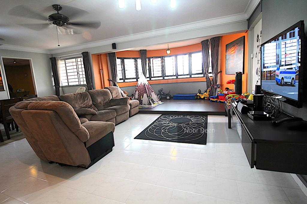 655 Hougang Avenue 8