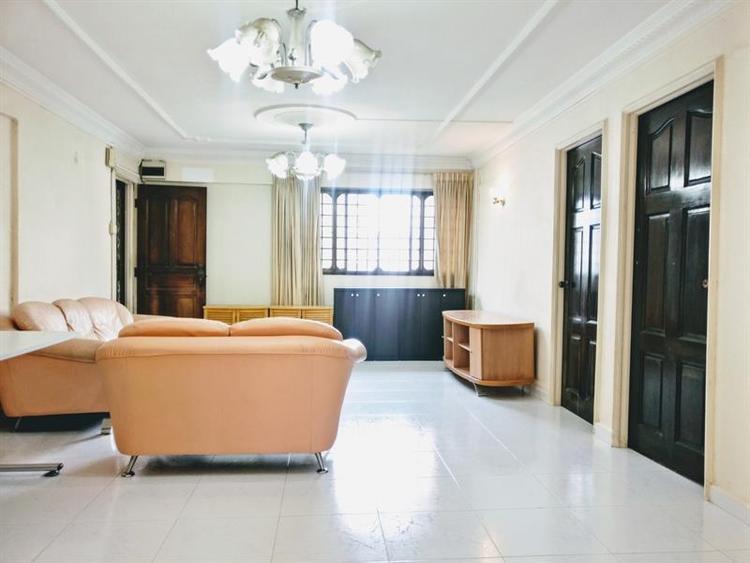 328 Hougang Avenue 5