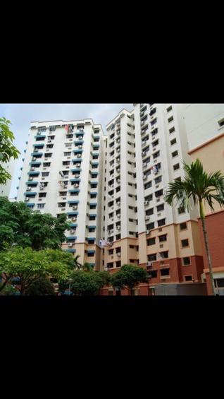 576 Hougang Avenue 4